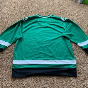 "STARTER Shirts - Boston Celtics starter ""crossover"" hockey jersey"